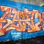 jak nejlépe odstranit graffiti tagy z fasády