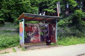 graffiti na zastávce
