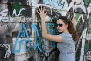 zničená stěna