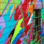čím na pomalované zdi