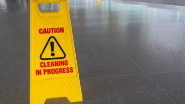Martin podlahy, čistenie