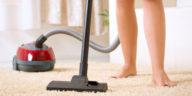 Nagellackfleck auf dem Teppich